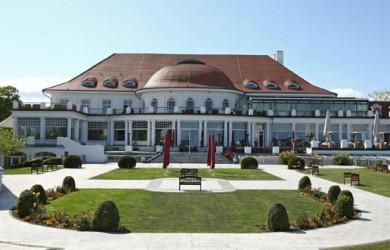Feiern im Atlantic Grand Hotel, Eventagentur in Timmendorfer Strand für Firmenevents und Tagungen an der Ostsee mit maritimer Partylocation und festlichem Ambiente in Travemünde